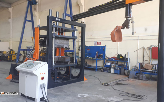 Kompleks automatycznego odłewania oparty na przechylnej maszynie odłewniczej SA-Foundry ALG-1500 * 1300